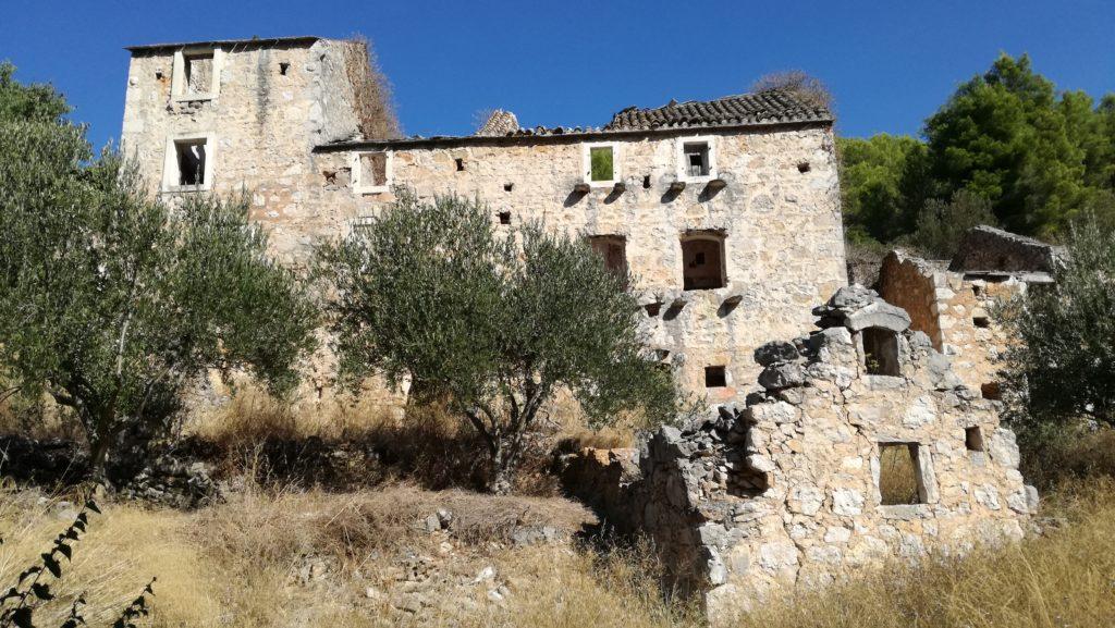 Jadranska tradicijska arhitektura na otoku hvaru
